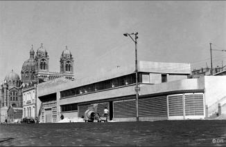 1947 : la façade sur le port